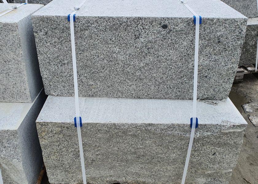 kámen na opěrnou zed