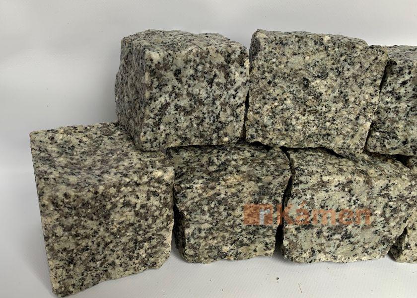 Žulové kostky 15x17 šedé