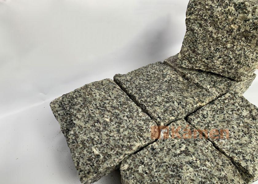 Žulové kostky 8x15x17 šedé
