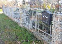 plot z žulových odseků